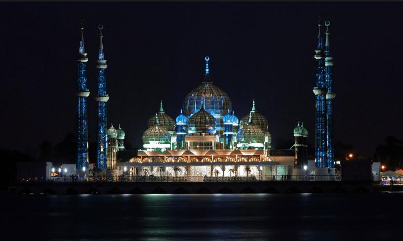 Ini Dia Pesona Kubah Masjid Kristal di Malaysia