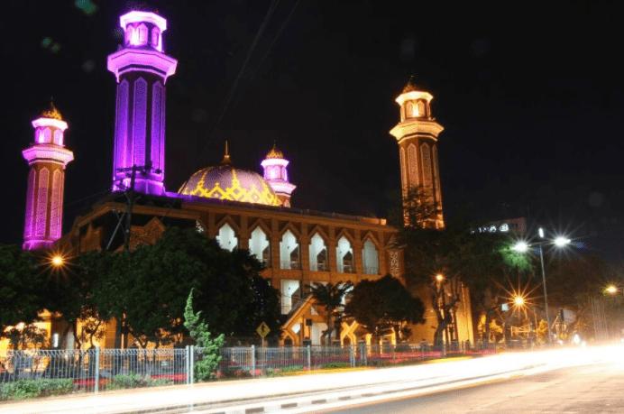 Keindahan Arsitektur Bangunan Masjid Agung At-Taqwa Balikpapan