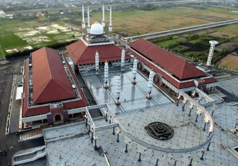 Kemegahan Bangunan Masjid Agung Jawa Tengah