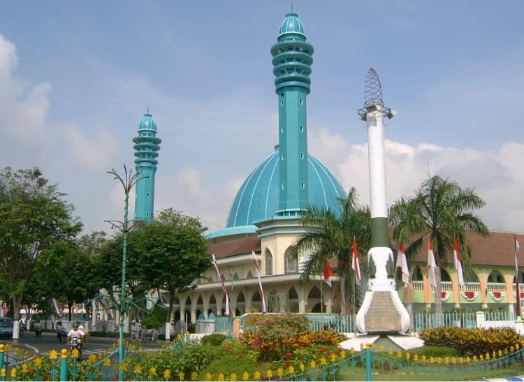 Keagungan Bangunan Kubah Masjid Agung Kota Lumajang