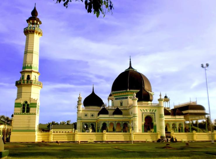 Masjid Azizi cagar budaya peninggalan kerajaan Langkat