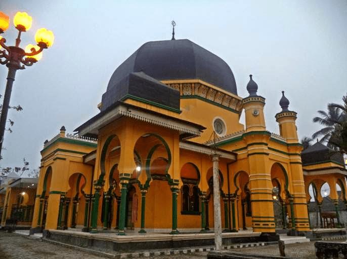 Masjid Tertua Al Osmani Medan Berkesan Budaya Melayu