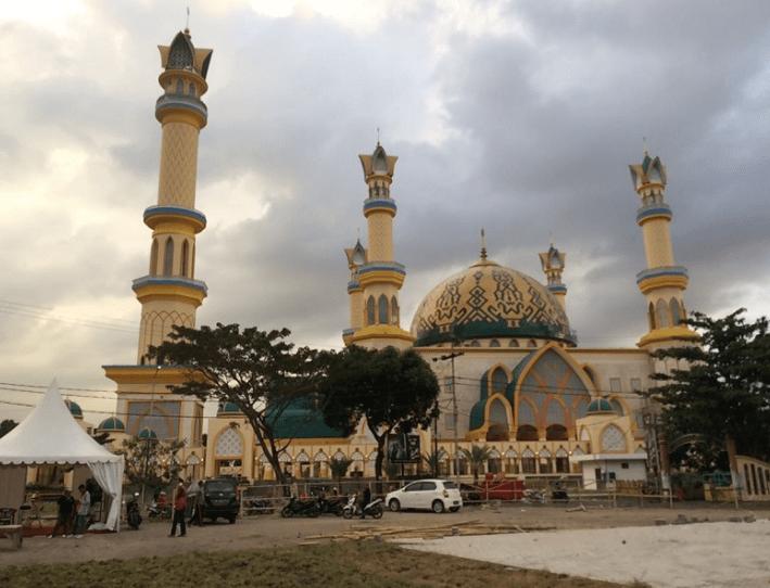 Indahnya Kubah Batik Masjid Islamic Center Mataram Nusa Tenggara Barat