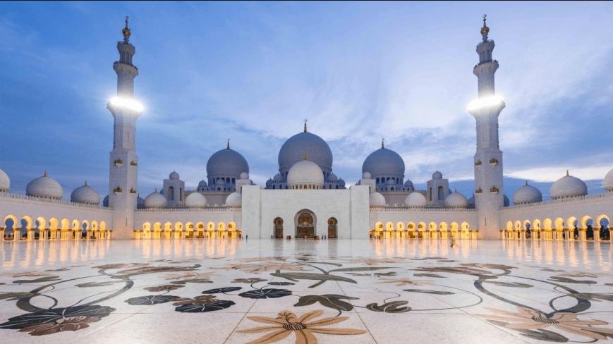 Kemegahan Masjid Agung Sheikh Zayed Abu Dhabi