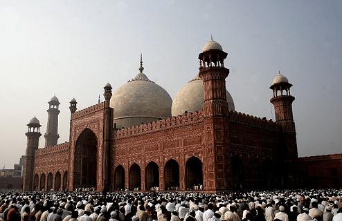 Masjid Badshahi yang indah dan megah di Pakistan