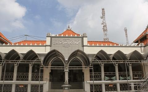 Masjid Besar Ainul Yaqin Sunan Giri – Gresik