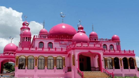 Masjid Dimaukom – Masjid Pink Simbol Cinta dan Harmoni