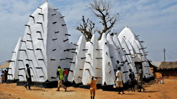 Masjid Larabanga di Ghana, Afrika yang sangat eksotis dan terbuat dari lumpur.