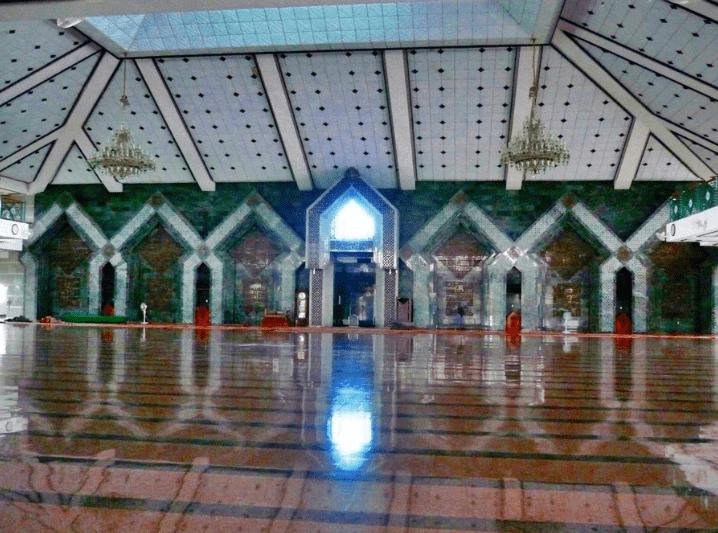 interior Masjid Al-Markaz