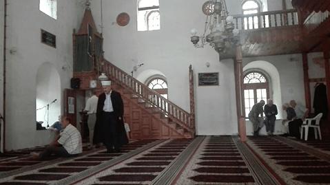 interior Masjid Husejnija Gradacac