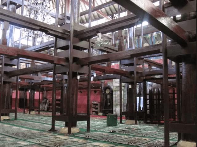 interior Masjid Kasepuhan Cirebon
