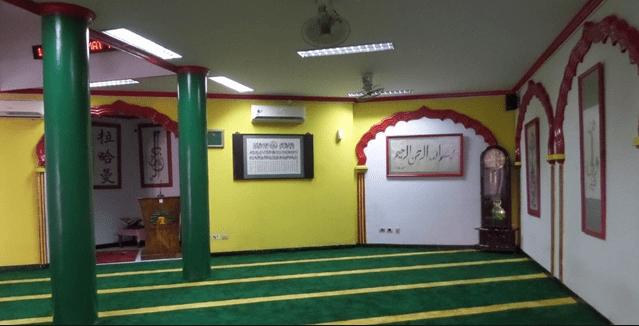 interior Masjid Lautze
