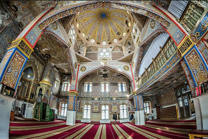 interior Masjid Mukhtarov