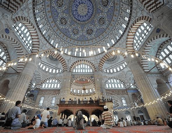 interior Masjid Selimiye Edirne