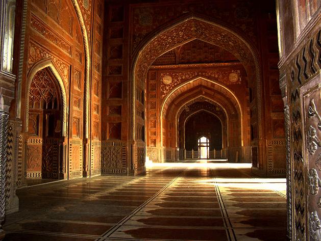 interior Masjid Taj Mahal