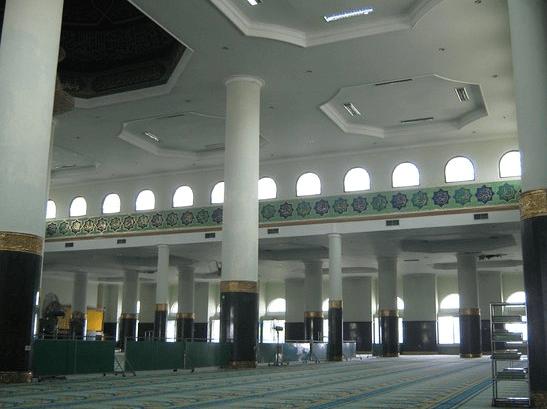 interior masjid agung annur riau