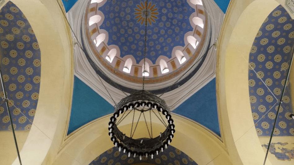interior masjid agung konstantian rumania