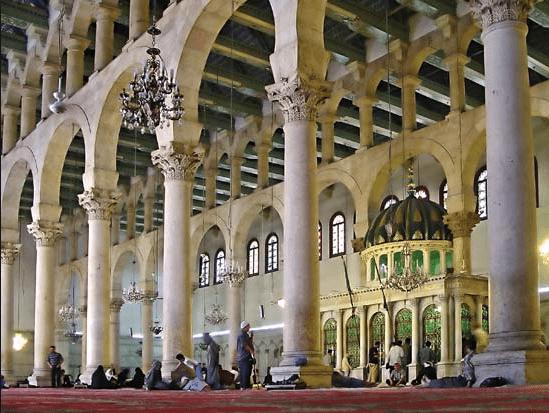 interior masjid agung umayyah