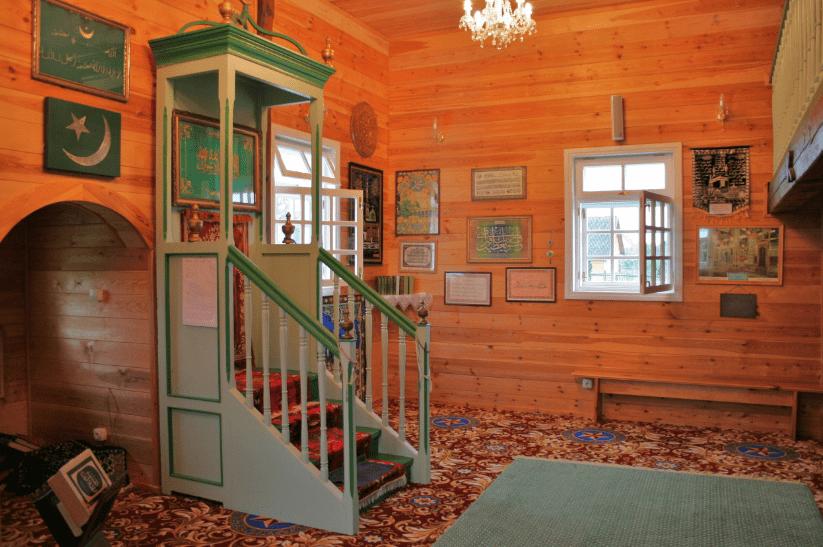interior masjid bohoniki
