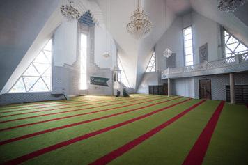 interior masjid lala tulpan