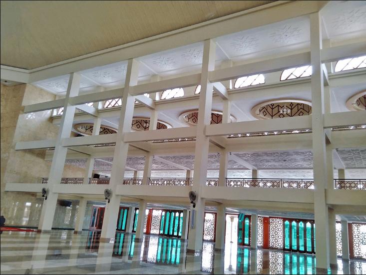 interior masjid nunukan