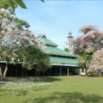 Masjid Nurul Islam Muka Kuning di Batam