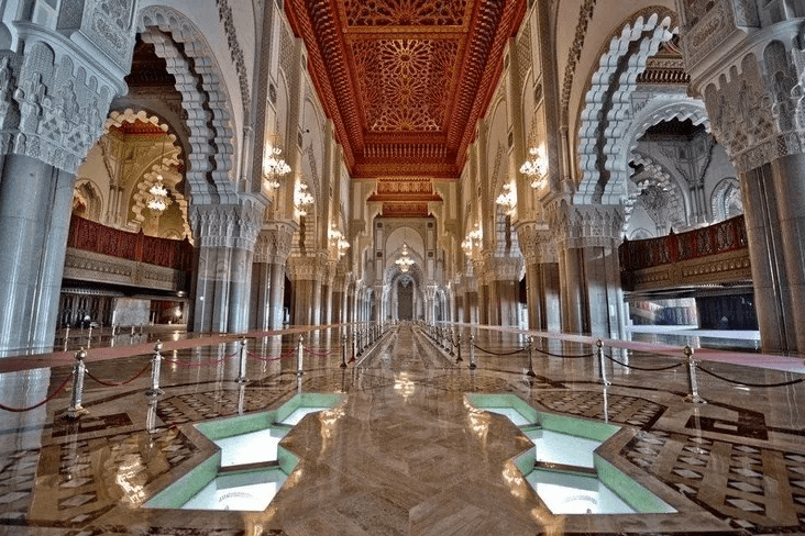 keunikan interior masjid hassan II