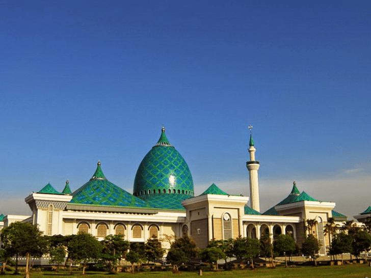 masjid agung al akbar
