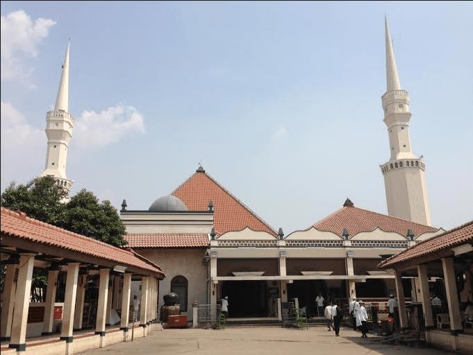 masjid keramat luar batang jakarta