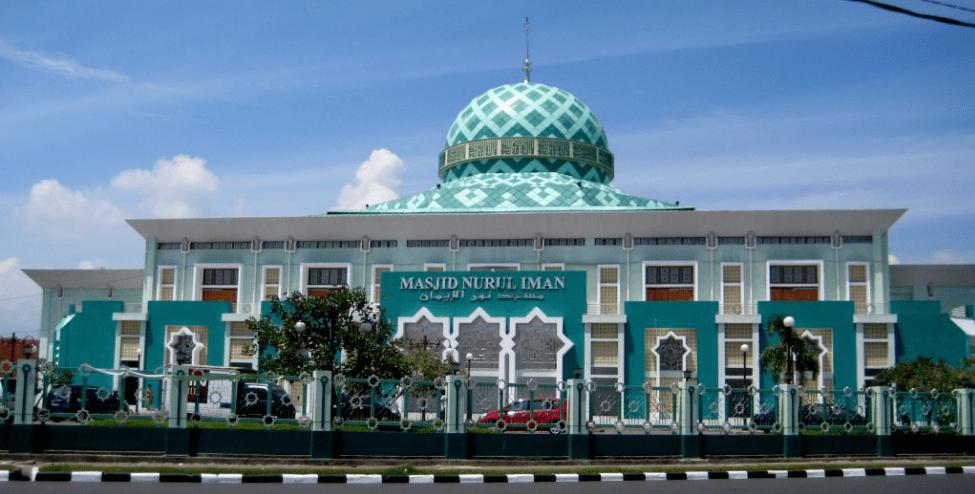 masjid nurul iman padang