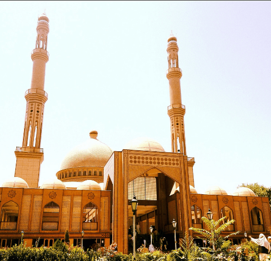 tampak depan masjid haji abdul rahman