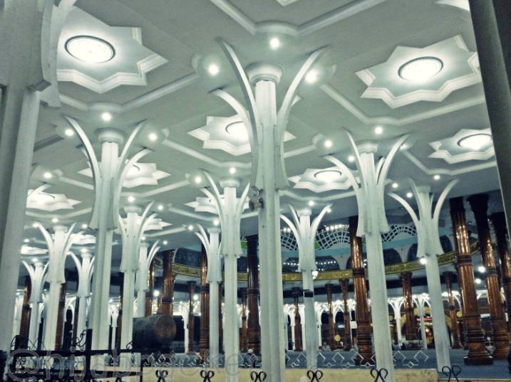 interior Masjid Agung Al-Falah Jambi
