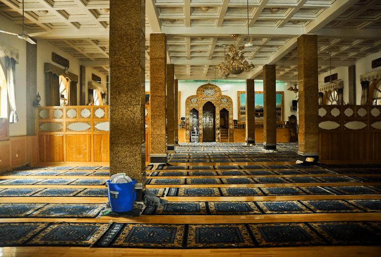 interior Masjid Agung Lhasa