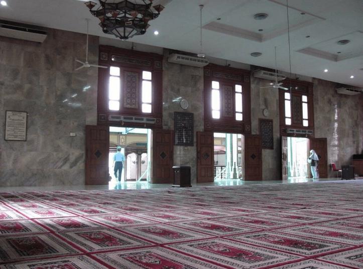 interior Masjid Agung Sunda Kelapa 3