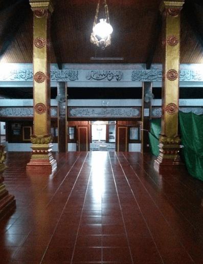 interior Masjid Al-Alam