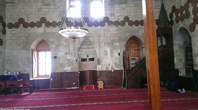 interior Masjid Bajrakli