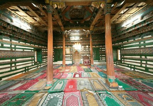 interior Masjid Chaqchan