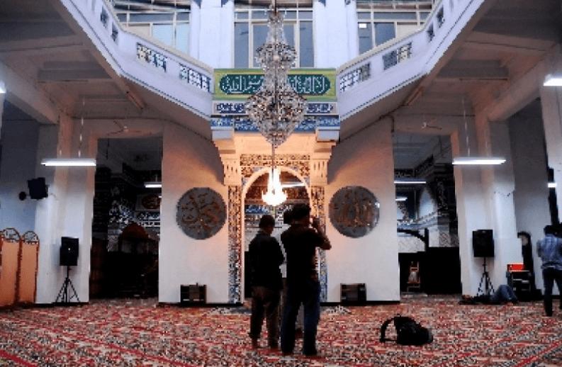 interior Masjid Cut Meutia