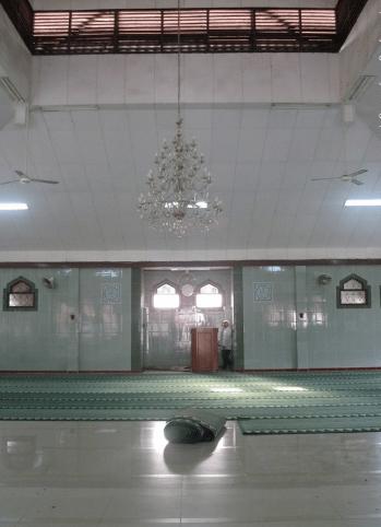 interior Masjid Islamic Center Kota Bekasi