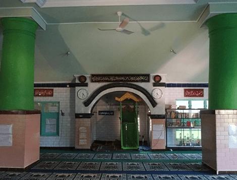 interior Masjid Keramat Kuno Singaraja