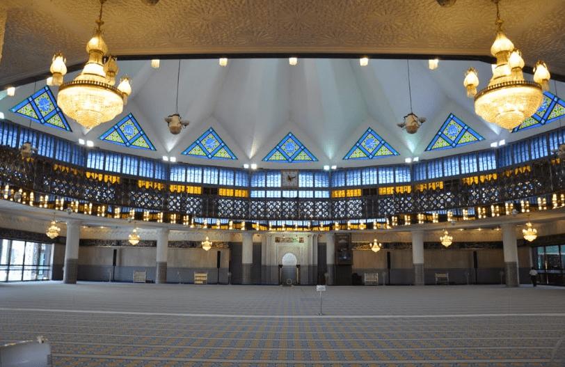 interior Masjid Lama Negeri Sarawak