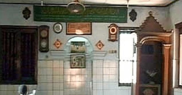 interior Masjid Langgar Tinggi