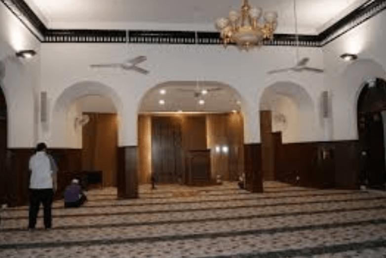 interior Masjid Omar Kampung Malakan