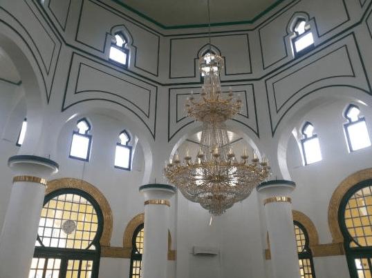 interior Masjid Raya Syahabuddin Siak Sri Indrapura
