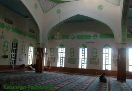 interior Masjid dan Pusat Kebudayaan Islam Paola