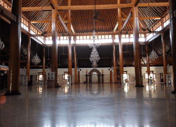 interior masjid ageng surakarta