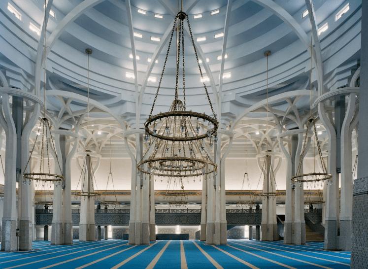interior masjid agung roma