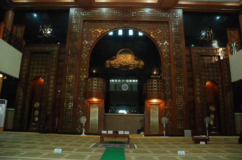 interior masjid al-barkah