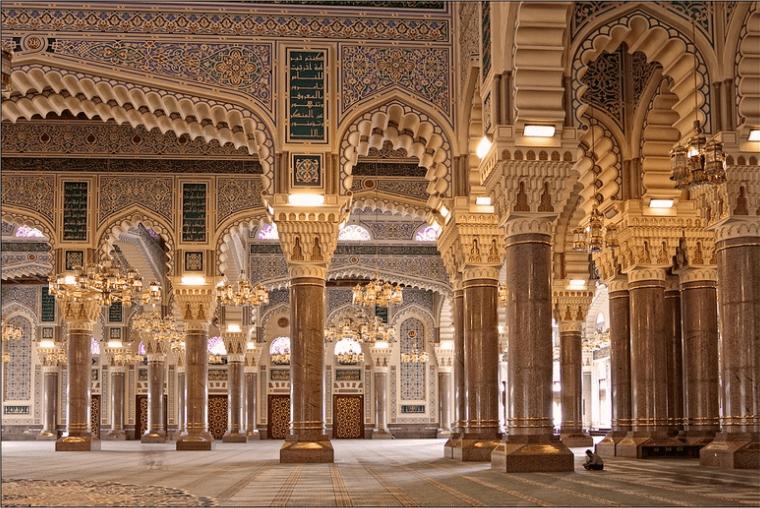 interior masjid al saleh