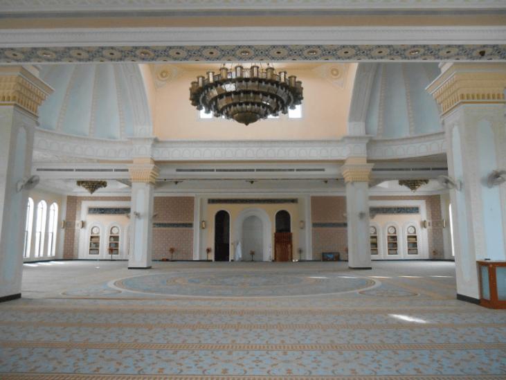 interior masjid al serkal kamboja